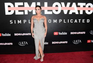 demi-lovato-at-demi-lovato-simply-complicated-youtube-premiere-in-los-angeles-10-11-2017-2