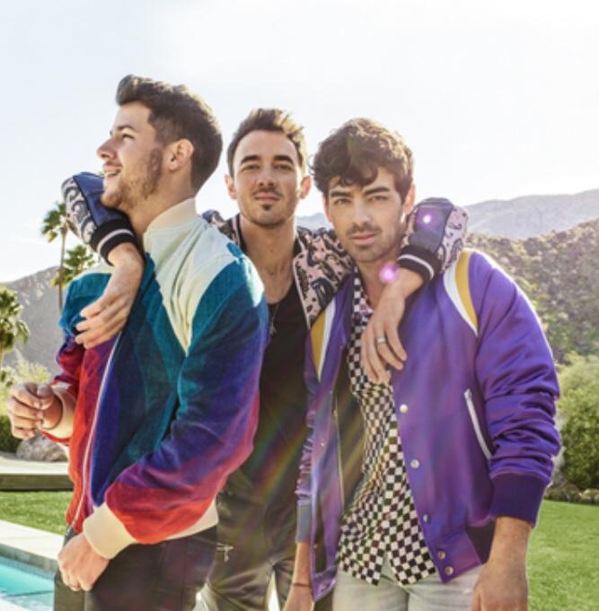 "Jonas Brothers ""Sucker"""